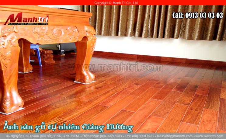 Lót sàn gỗ tự nhiên Giáng Hương tại quận 2, TPHCM vào tháng 11-2013