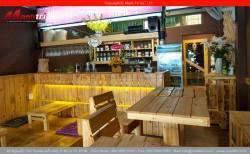 Quán cafe dùng gỗ thông pallet trang trí