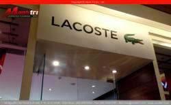 Gỗ công nghiệp Janmi O116 lót sàn, ốp tường, ốp trần showroom thời gian cao cấp Lacoste quận 1, TPHCM
