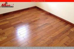 Biệt thự lót sàn gỗ tự nhiên Căm Xe.