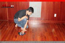 Nguyên nhân ván sàn gỗ tự nhiên bị cong vênh – phồng rộp