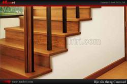 Lát sàn gỗ cho cầu thang trong nhà