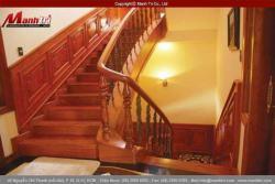 Lợi ích của việc lát sàn gỗ cho cầu thang