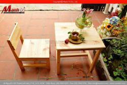 Những bộ bàn ghế gỗ thông pallet cao cấp