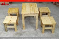 Một số mẫu bàn ghế gỗ thông pallet