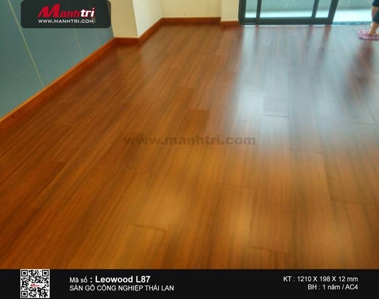 Thi công sàn gỗ công nghiệp Leowood L87 tại Q.6, TP.HCM
