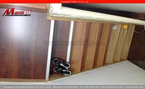 Thi công ván gỗ lót gát và lót mặt cầu thang tại quận 10, TPHCM