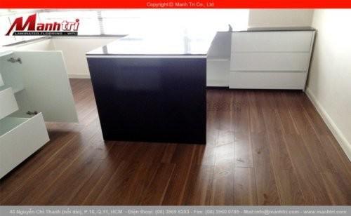 Lắp đặt sàn gỗ công nghiệp ThaiXin 1082 tại Sài Gòn Pearl