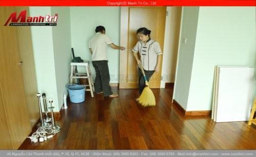 Giữ gìn và vệ sinh sàn gỗ tự nhiên