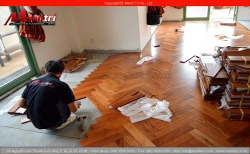 Lót sàn gỗ công nghiệp và sàn gỗ tự nhiên
