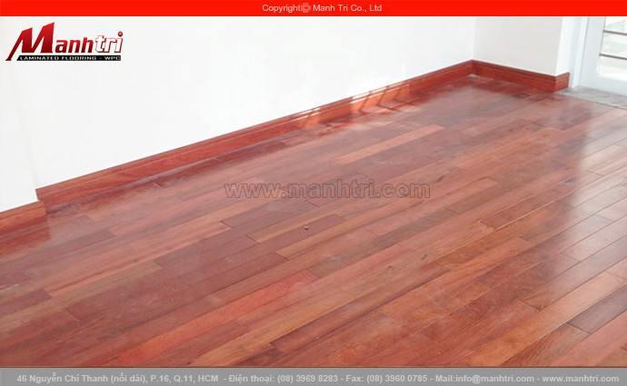 Lắp đặt sàn gỗ tự nhiên Giáng Hương tại quận 7, TPHCM