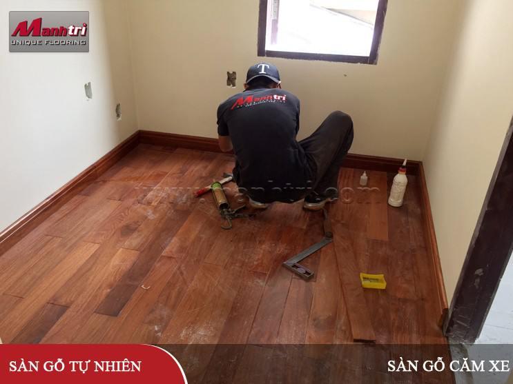 Lắp đặt sàn gỗ tự nhiên Căm Xe 750mm tại quận 2, TPHCM
