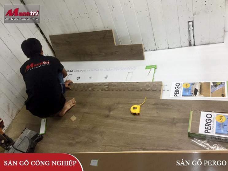 Lắp đặt sàn gỗ Pergo 03371 cho showroom quận 11, TPHCM