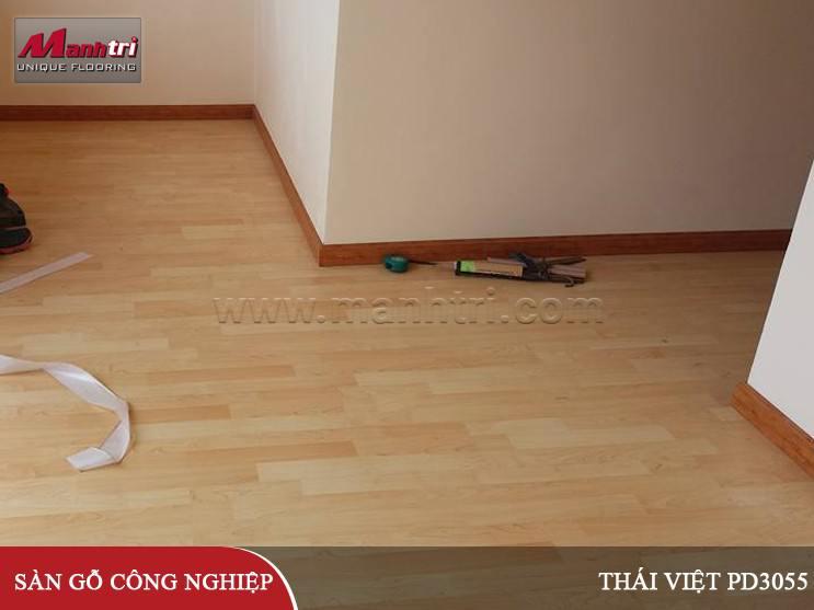Sàn gỗ Thái Việt PD3055 lót sàn tại nhà anh Minh quận Bình Tân, TPHCM