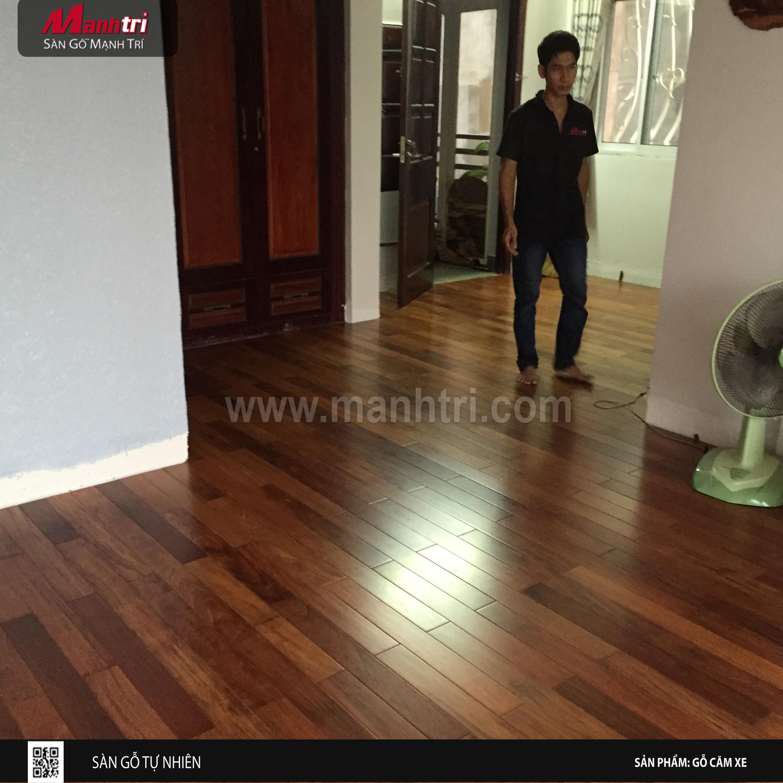 Sàn gỗ Căm Xe tự nhiên tại nhà anh Trung ở Dĩ An, Bình Dương