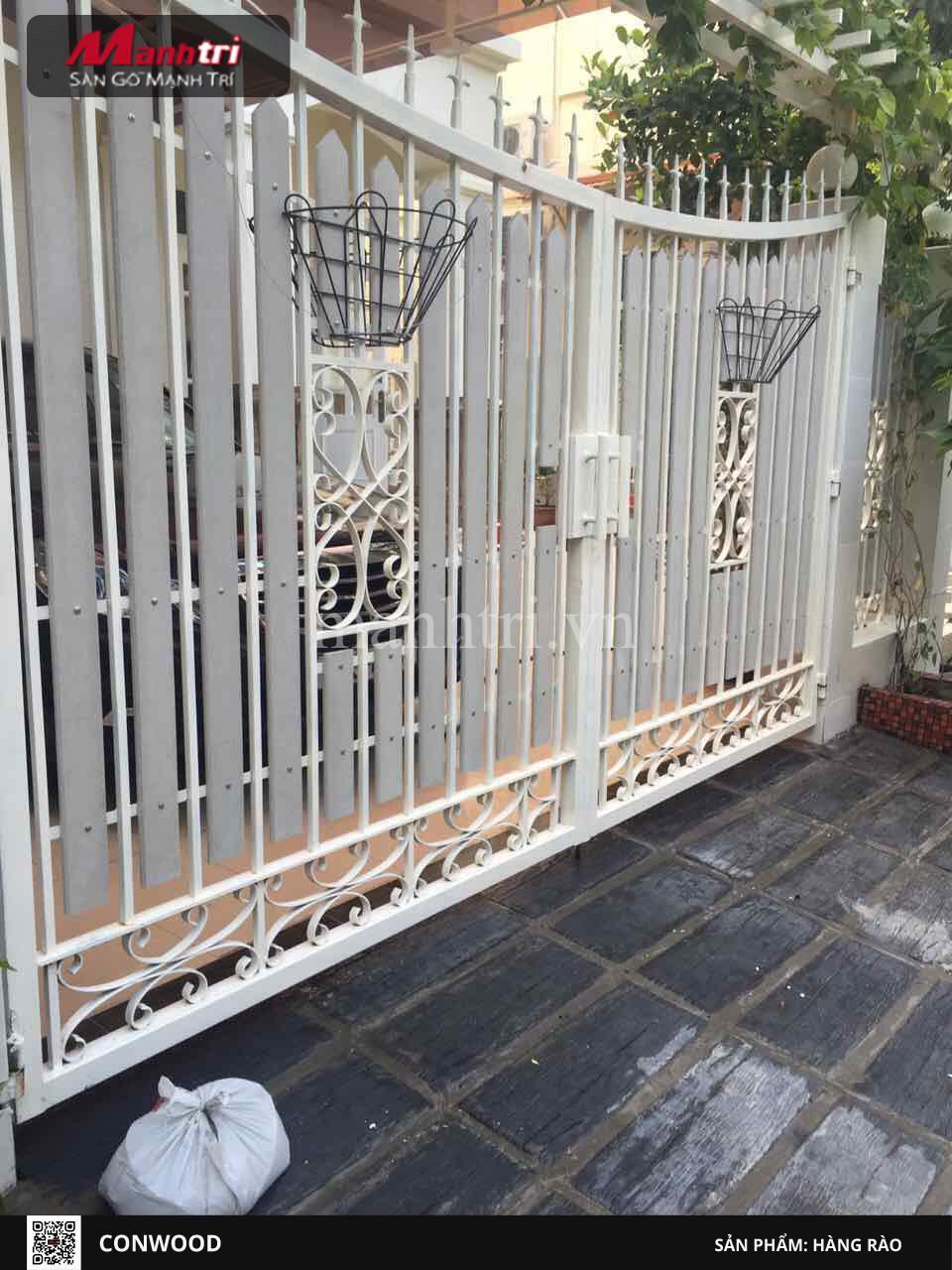 Hàng rào Conwood độc đáo tại nhà anh Bảo – Phú Mỹ Hưng Quận 7