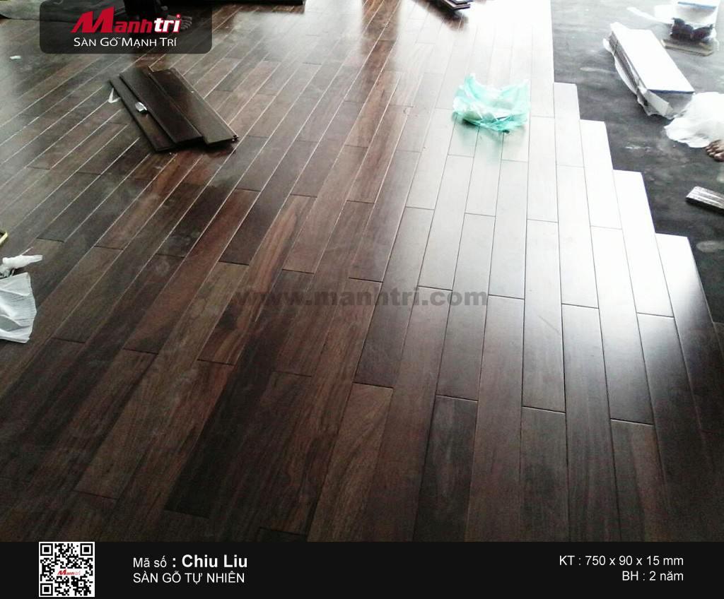 Lắp đặt sàn gỗ tự nhiên solid Chiu Liu tại công ty Phú Gia Lạc, Q.3, TP.HCM
