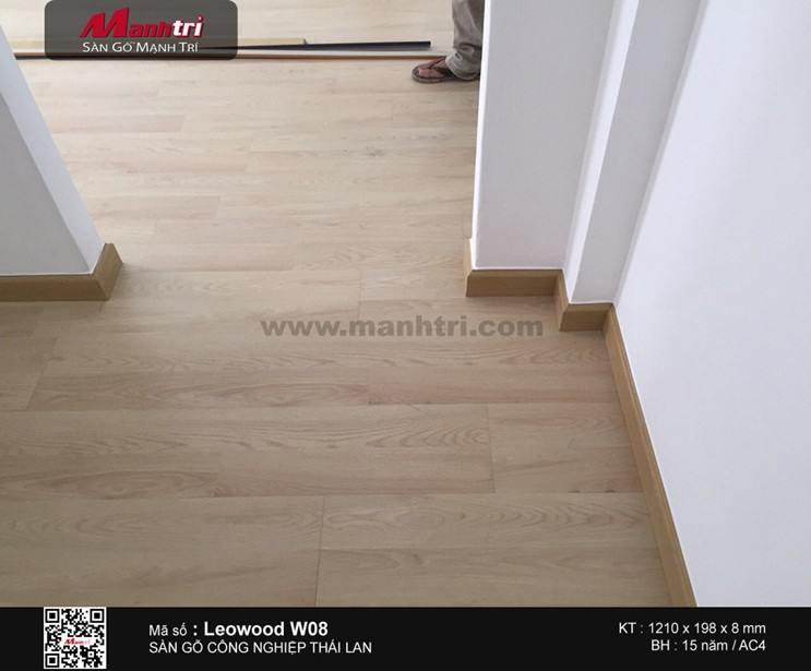 Lắp đặt sàn gỗ công nghiệp Leowood W08 tại Chung cư Cây Mai