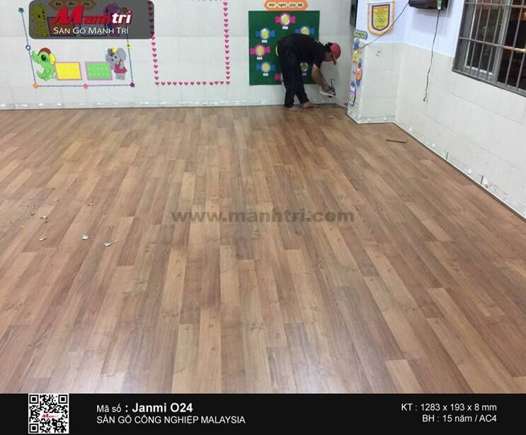 Lót sàn gỗ công nghiệp Janmi O24 tại Nhà trẻ Hạnh Phúc, Q.Thủ Đức, TP.HCM