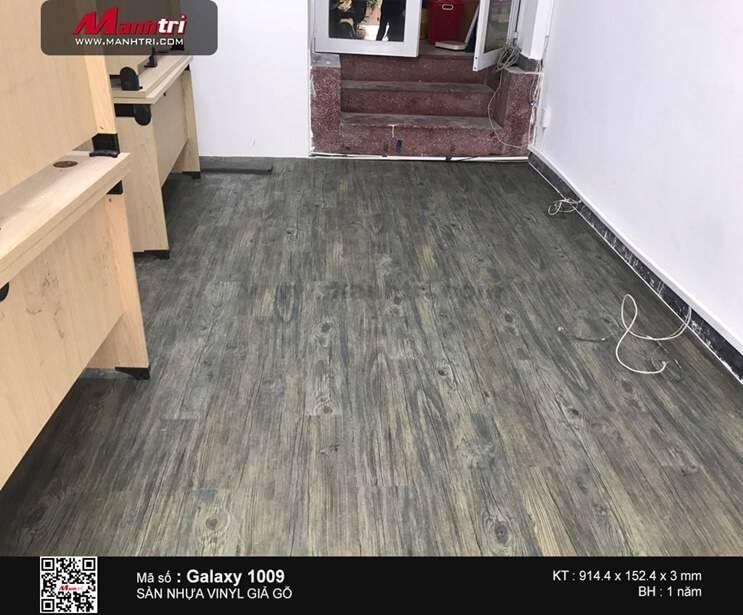 Thi công sàn nhựa giả gỗ Galaxy 1009 tại Q.1, TP.HCM