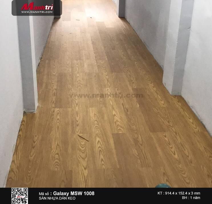 Thi công sàn nhựa dán keo Galaxy MSW 1008 tại Bãi Sậy, P.1, Q.6