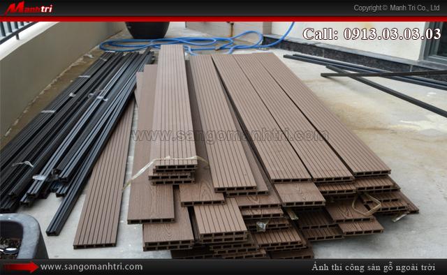Những tấm gỗ nhựa dùng lót sàn ban công ngoài trời