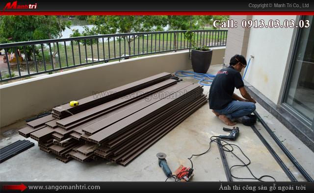 Dùng thanh đà để lắp đặt gỗ nhựa Awood