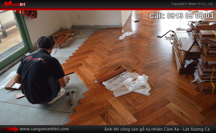 Hình ảnh sàn gỗ tự nhiên Căm Xe lót xương cá