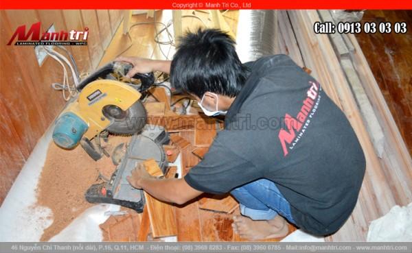 Hình ảnh về máy cắt gỗ dùng thi công công trình của Mạnh Trí