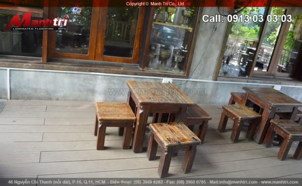 Ván gỗ nhựa Awood lót sàn Cafe Mộc Hoa Mai