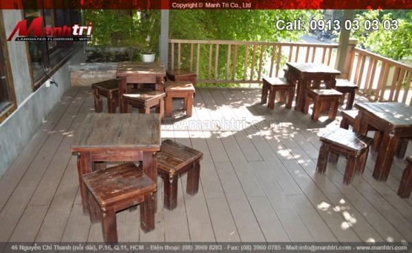 Cafe Mộc Hoa Mai dùng gỗ nhựa Awood HS140x25 lót sàn