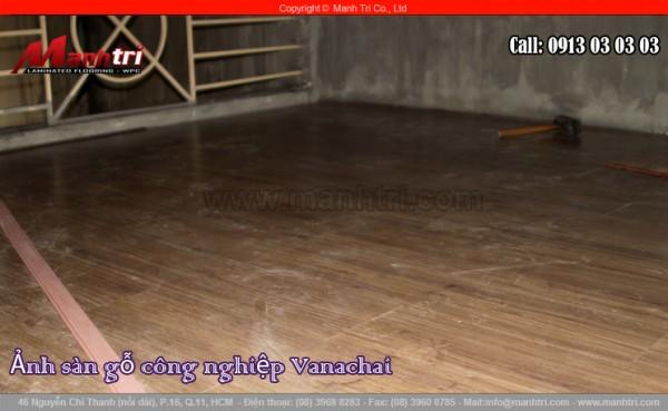 Hình ảnh sàn gỗ công nghiệp khi thi công hoàn thiện tại công trình