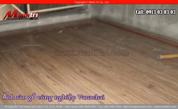 Hình ảnh sàn gỗ Vanachai khi chưa lắp đặt nẹp kết thúc