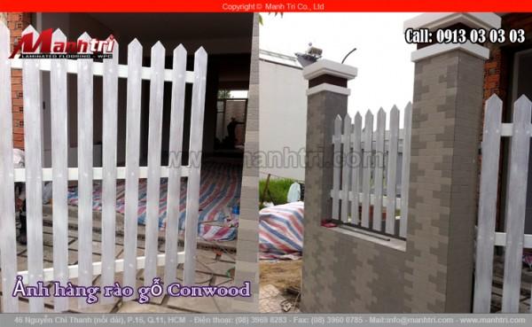 Hình ảnh những thanh gỗ Conwood màu trắng làm hàng rào