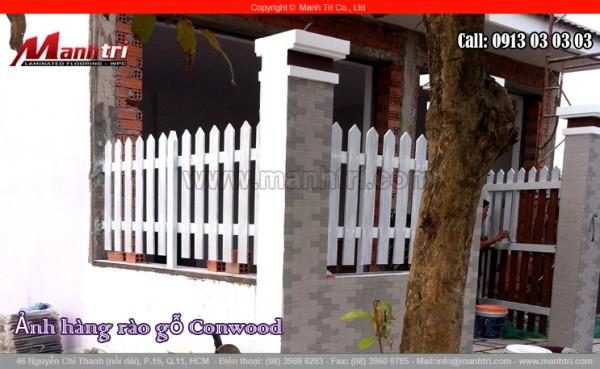 Hình ảnh gỗ Conwood dùng làm hàng rào ngôi biệt thự
