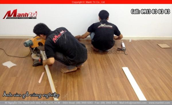 Lắp đặt sàn gỗ kết hợp phụ kiện sàn gỗ để sàn nhà thêm đẹp