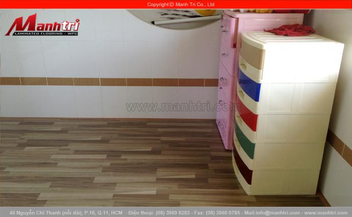 Hình ảnh ván gỗ công nghiệp lót sàn phòng ngủ hoàn thiện