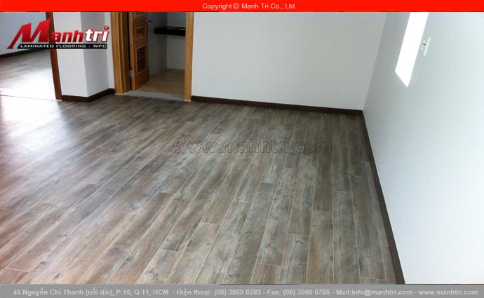 Hình ảnh gỗ công nghiệp Janmi P13 lót sàn nhà khi hoàn thiện