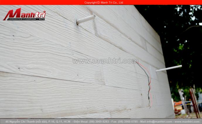 Hình ảnh cận cảnh gỗ Conwood ốp tường ngoài trời