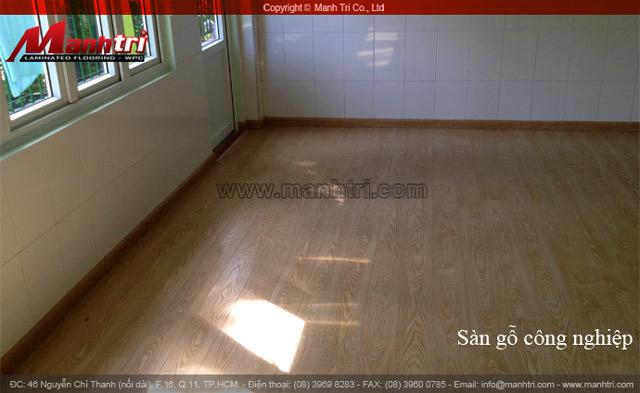 Hình ảnh cận cảnh sàn gỗ công nghiệp Gago ZG555 hoàn thiện tại công trình ở quận Thủ Đức