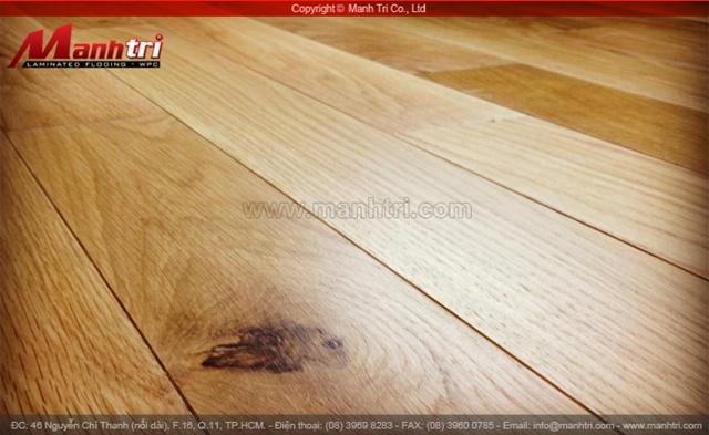 Bề mặt gỗ tự nhiên sồi