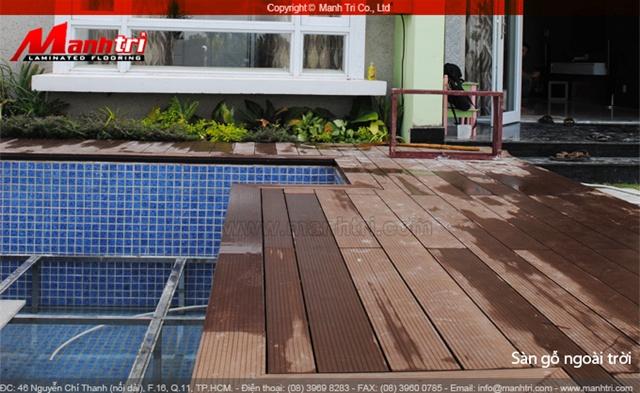 sàn gỗ ngoài trời Awood được thi công cho hồ bơi biệt thự