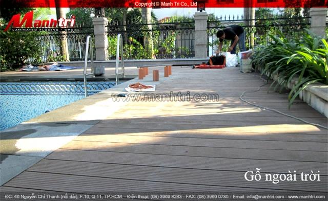 sàn gỗ ngoài trời Awood được thi công cho hồ bơi