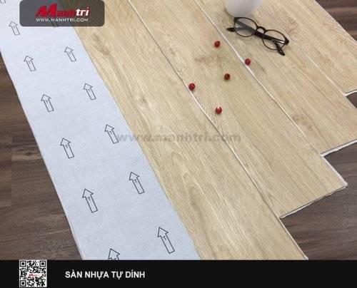 Phân biệt sàn nhựa tự dính và sàn nhựa dán keo