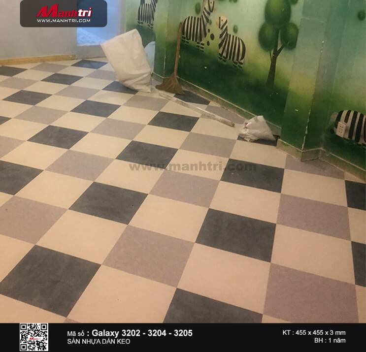 Thi công sàn nhựa dán keo Galaxy 3202 - 3204 - 3205  tại Trịnh Văn Cấn, Q.1, TP.HCM