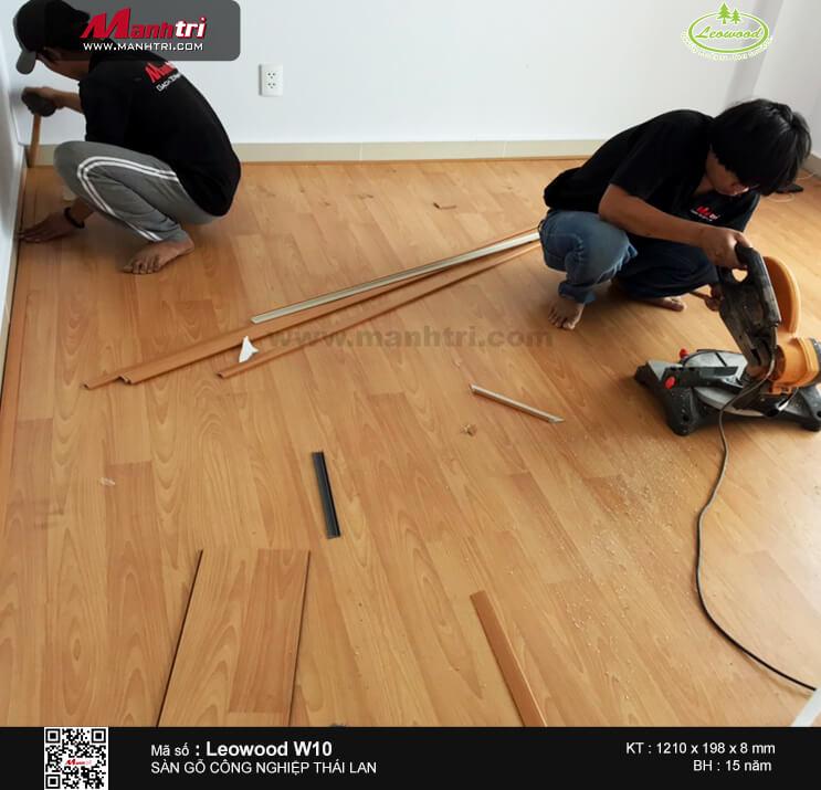 Thi công sàn gỗ công nghiệp Leowood W10 tại chung cư Oriental Plaza, quận Tân Phú, TP.HCM