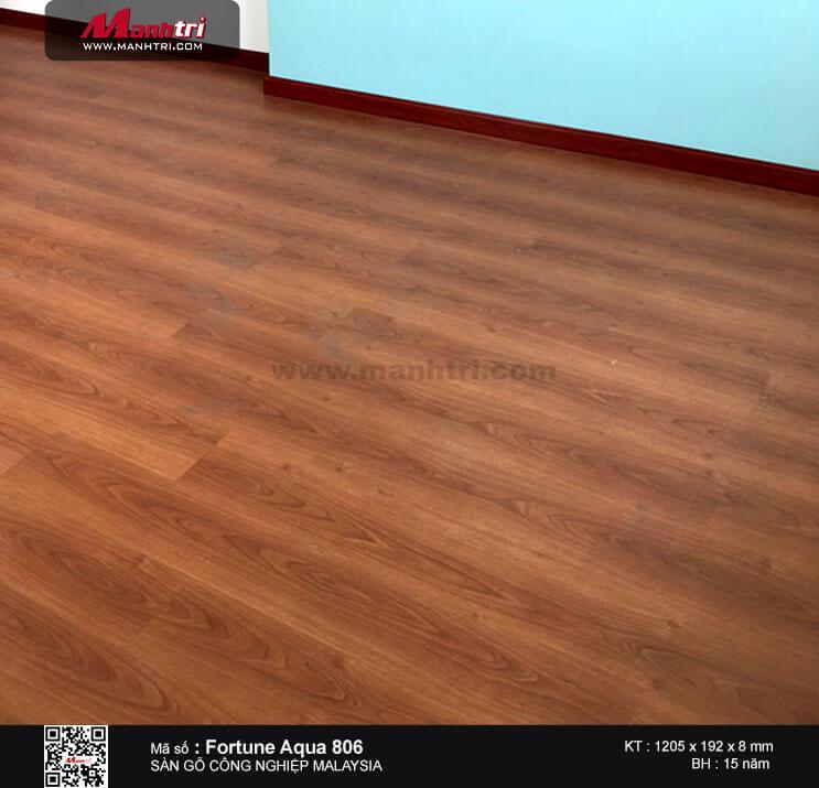 Thi công sàn gỗ công nghiệp Malaysia Fortune Aqua 806 tại Chung cưRishstar 2, Quận Tân Phú, TP.HCM