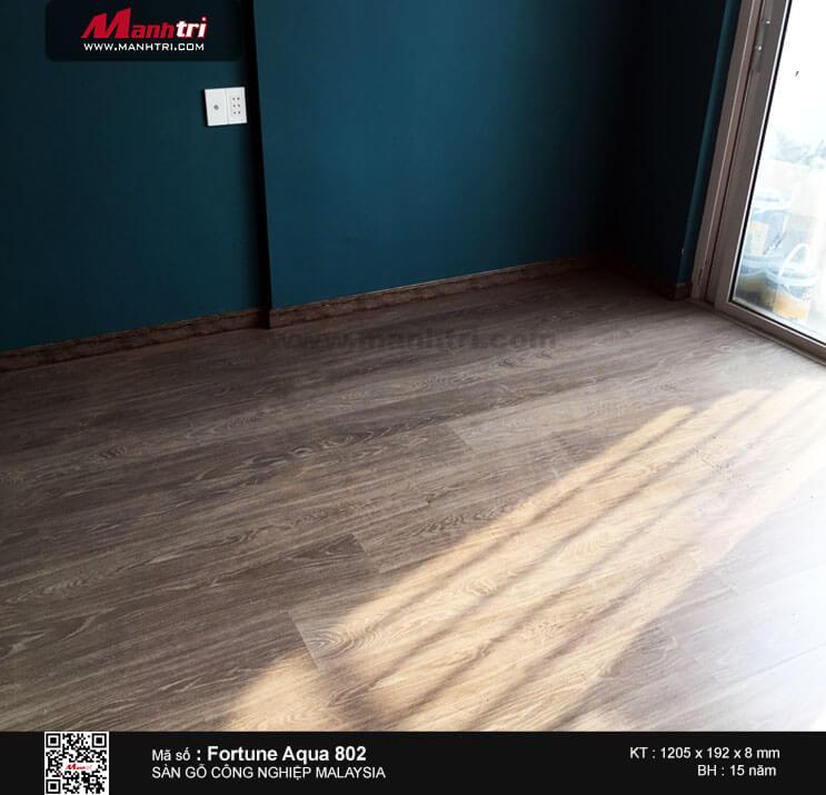 Thi công sàn gỗ công nghiệp Malaysia Fortune Aqua 802 tại Chung cưRishstar 2, Quận Tân Phú, TP.HCM