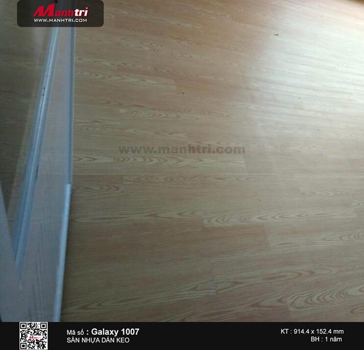 Thi công sàn nhựa dán keo Galaxy 1007 tại Trường mần non Sen Vàng, Q. Tân Bình