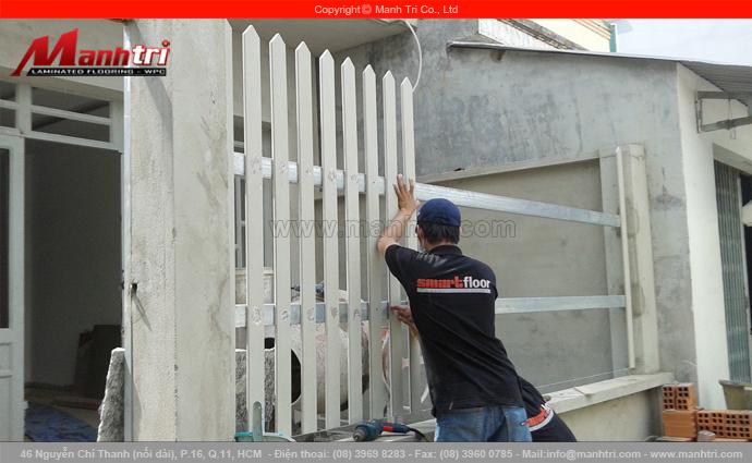 Thanh gỗ Conwood ốp hàng rào ngoài trời tại nhà chị Xuân quận 7, TPHCM